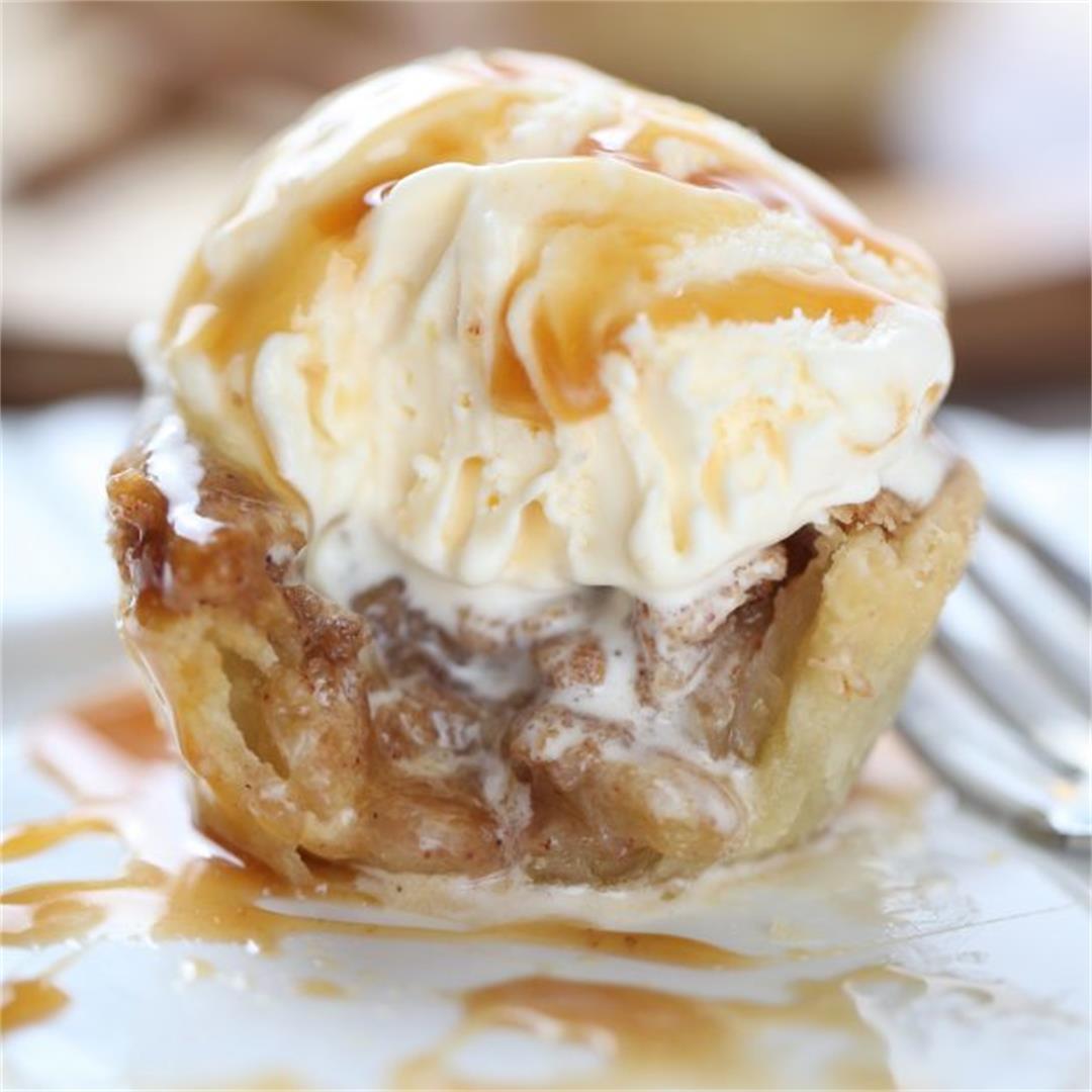 Mini Apple Struesel Pies