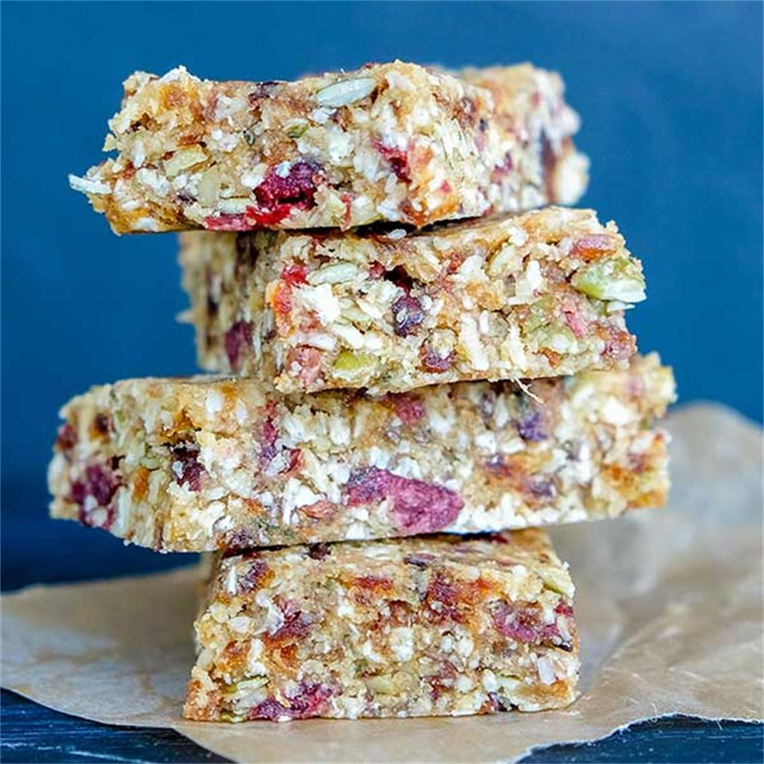 No-Bake Pumpkin Seed Coconut Ginger & Cranberry Bars with Hemp