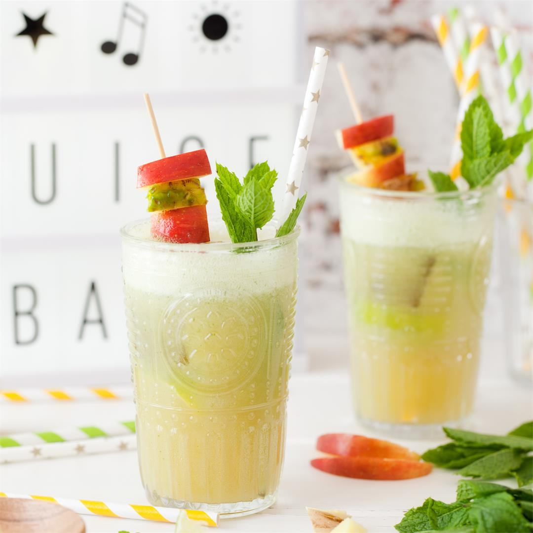 Apple Pineapple Ginger Juice with Mint & Lime