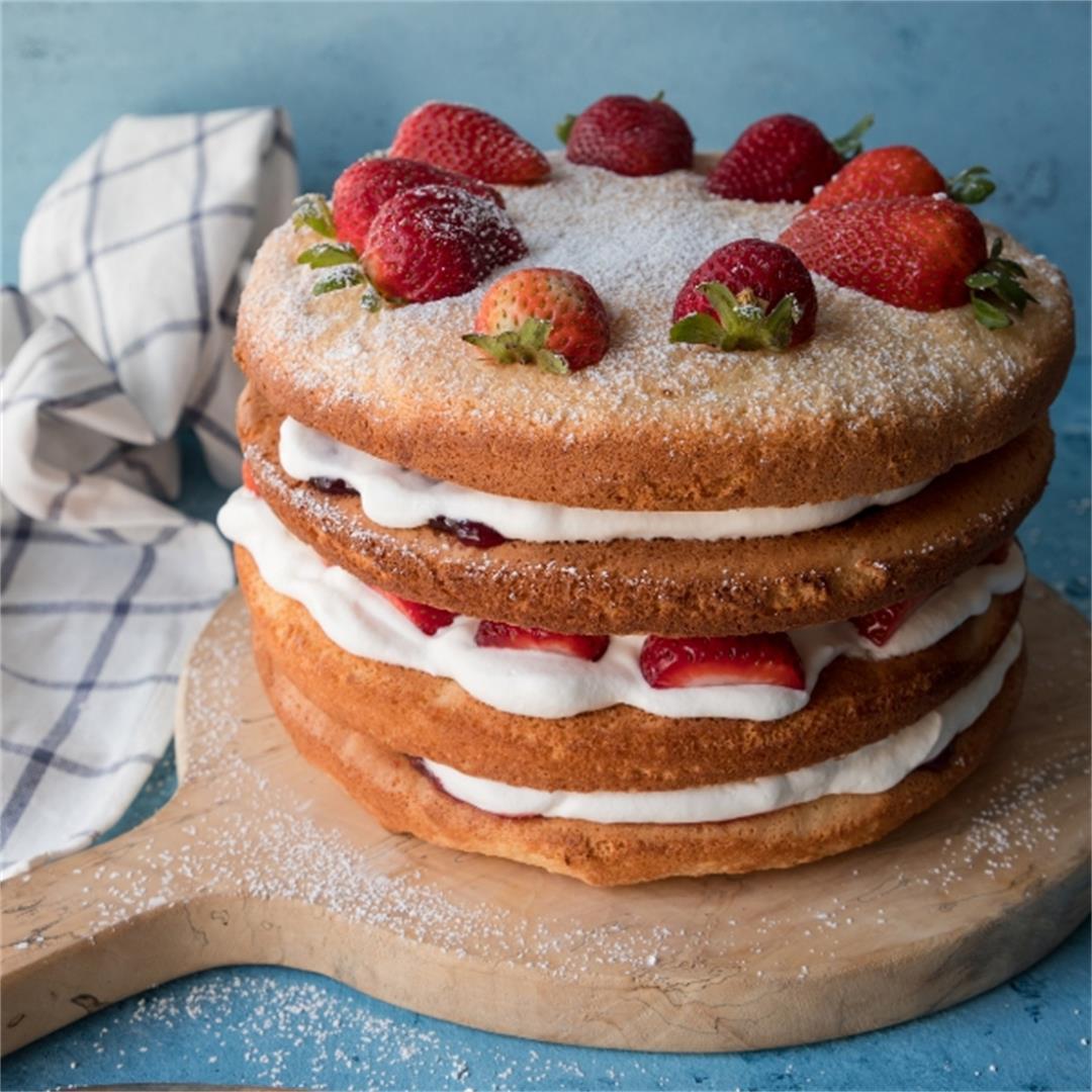 Fluffy Sponge Cake Recipe