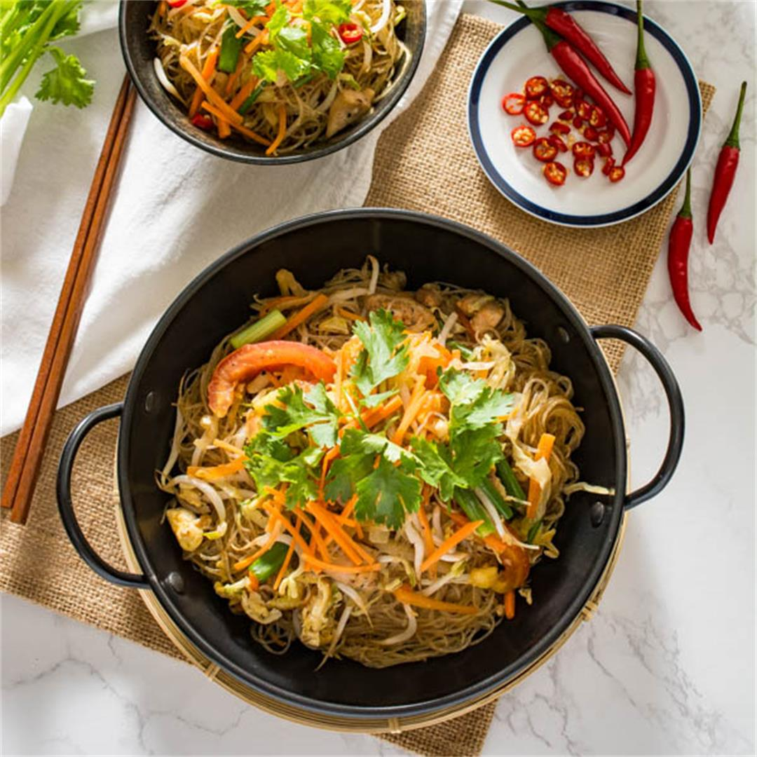 Pad Woon Sen (Thai Stir Fried Glass Noodles)