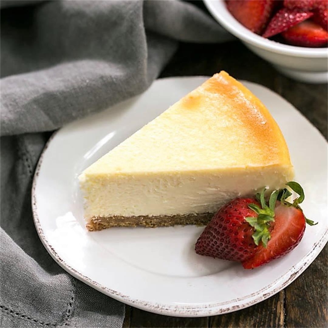 Perfect Vanilla Cheesecake and Tips for Making Cheesecake!
