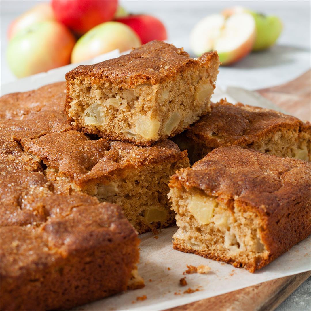 Apple and Cinnamon Tray Bake