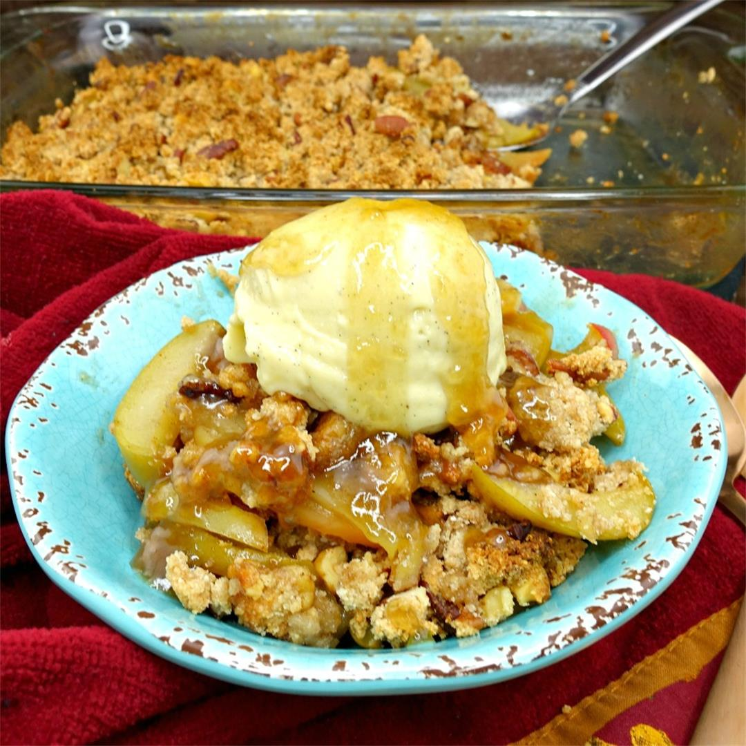 Paleo and Vegan Caramel Apple Crisp