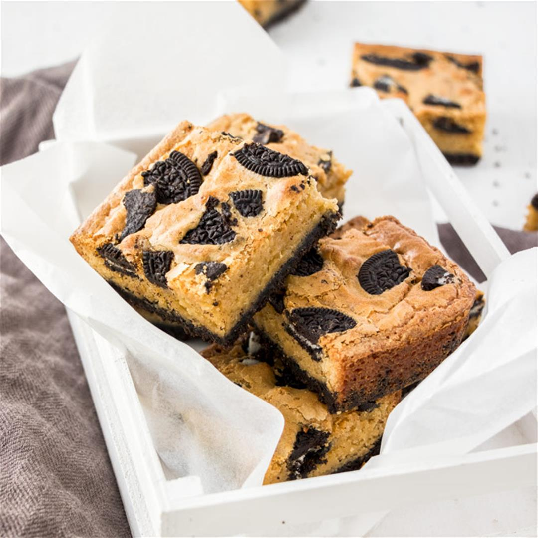 Cookies and Cream Blondie Recipe