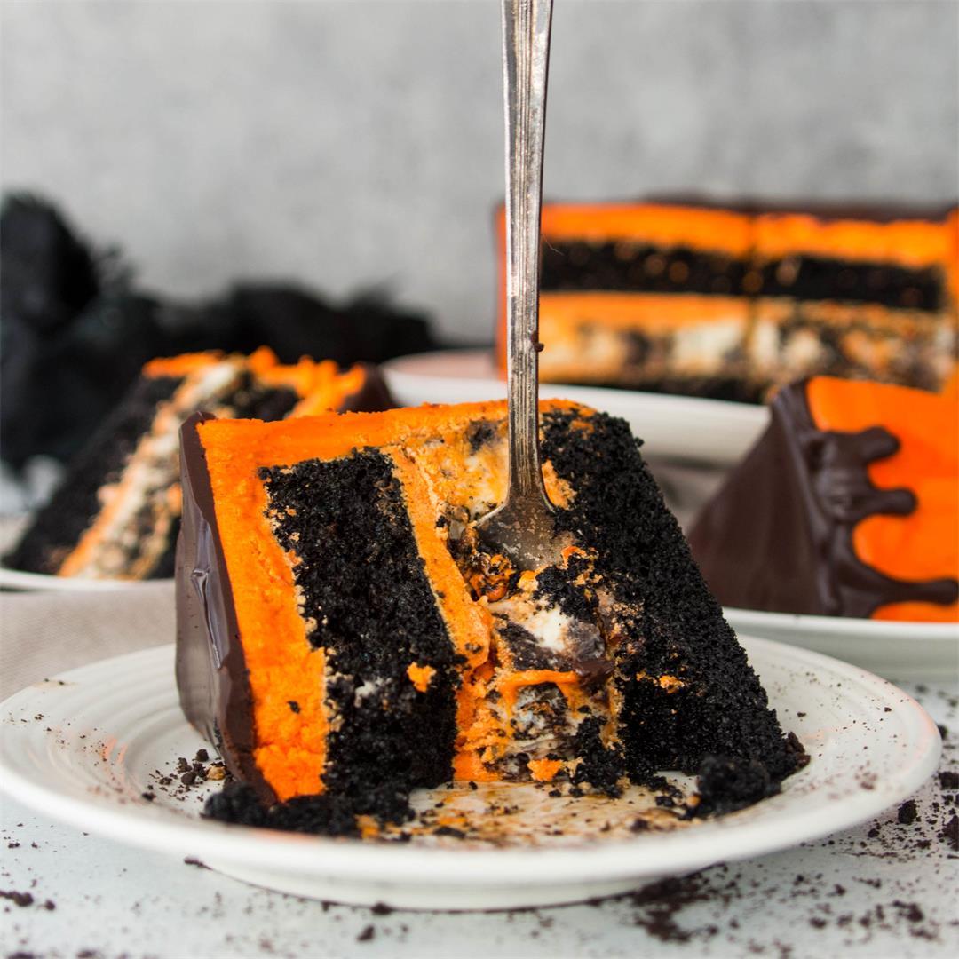 Black Velvet Cookies and Cream Cheesecake Cake