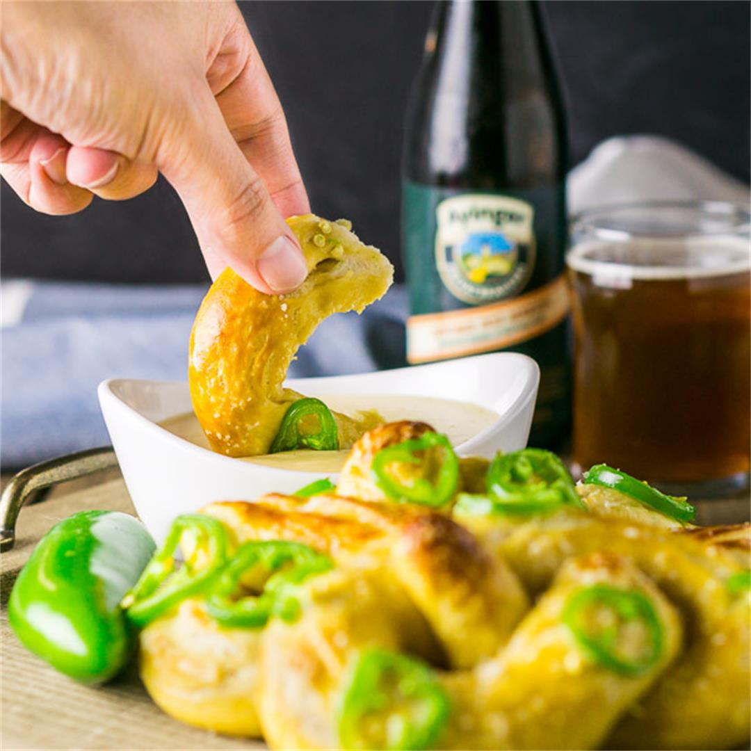 Soft Beer Pretzels With Oktoberfest Cheese Dip
