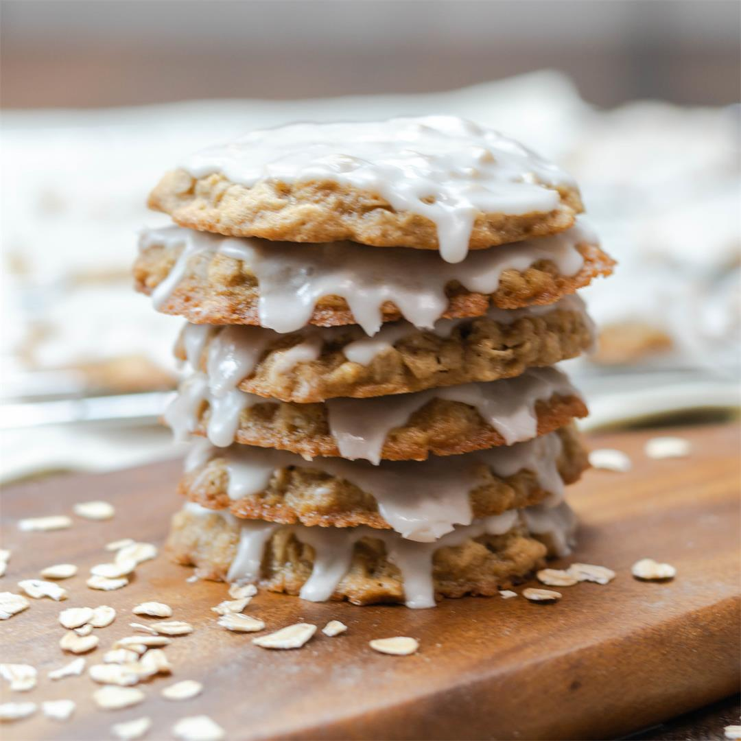 Soft & Chewy Classic Oatmeal Cookies