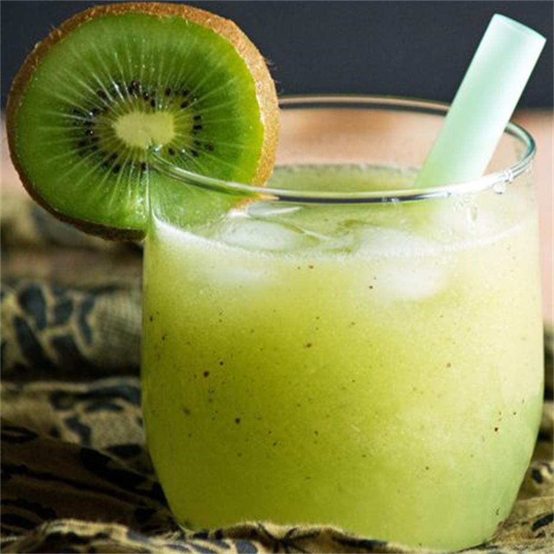 Fresh Kiwi juice