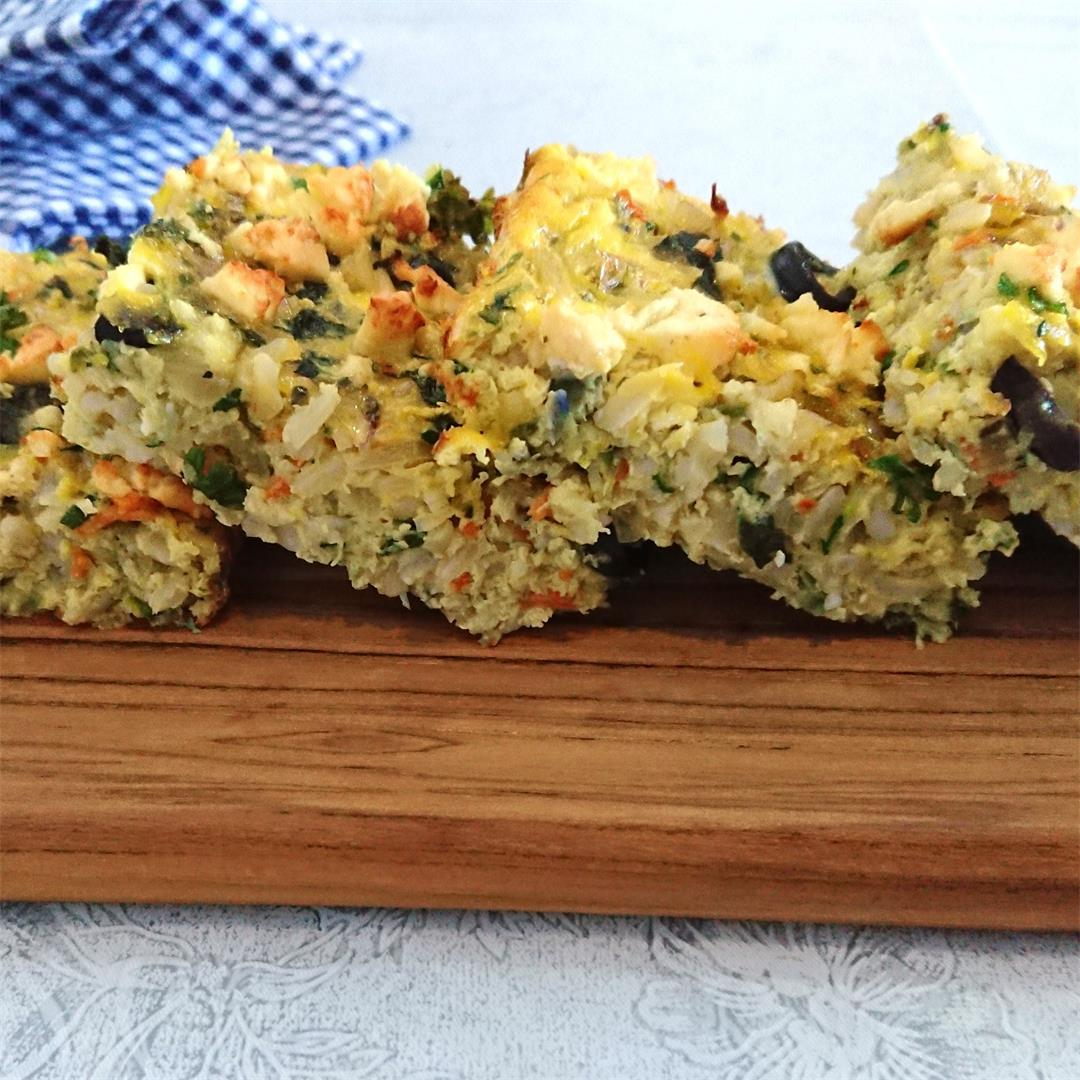 Easy frittata with brown rice, zucchini and feta cheese