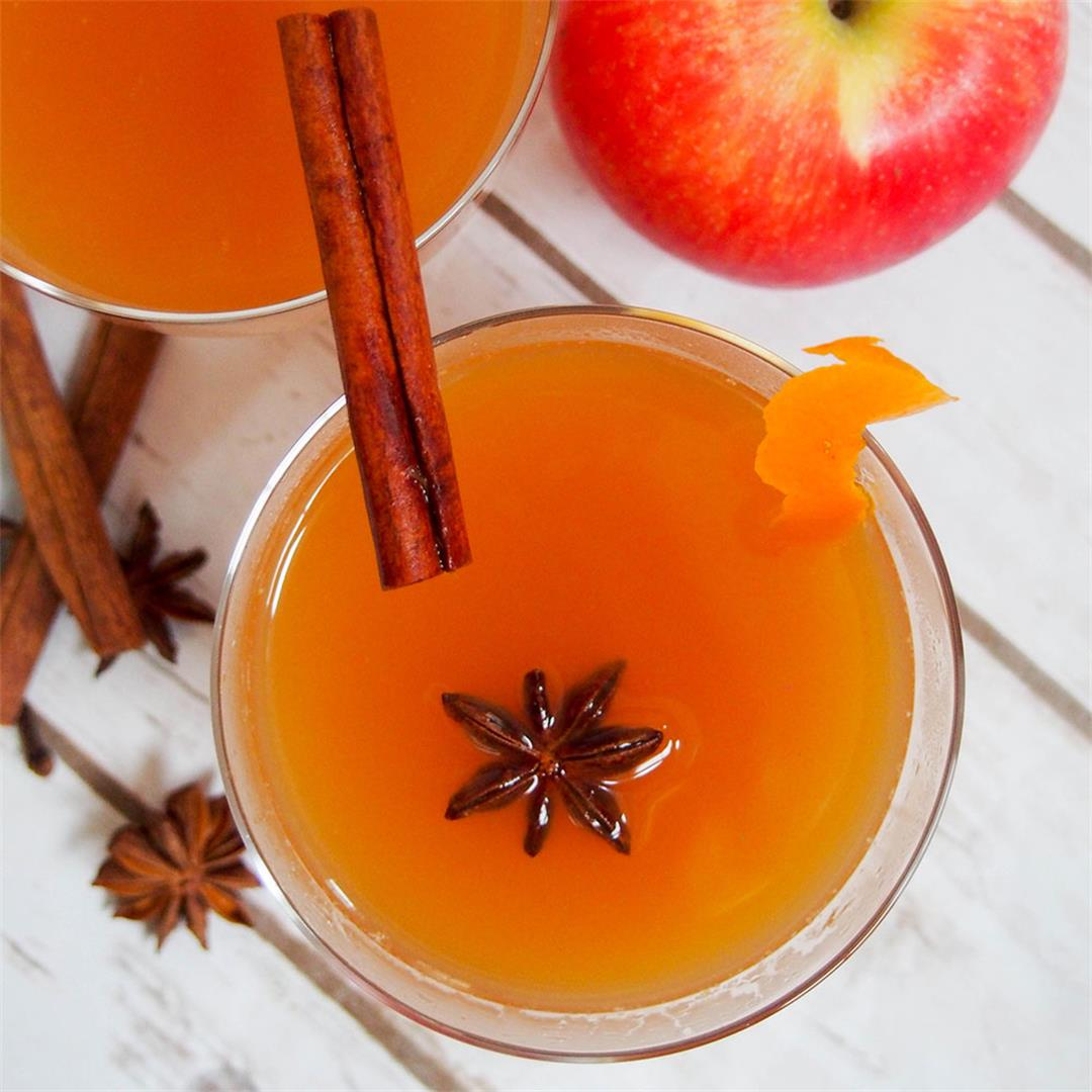 Spiked mulled apple cider