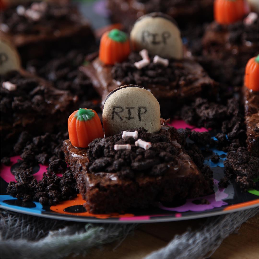 Graveyard Crunch Brownies