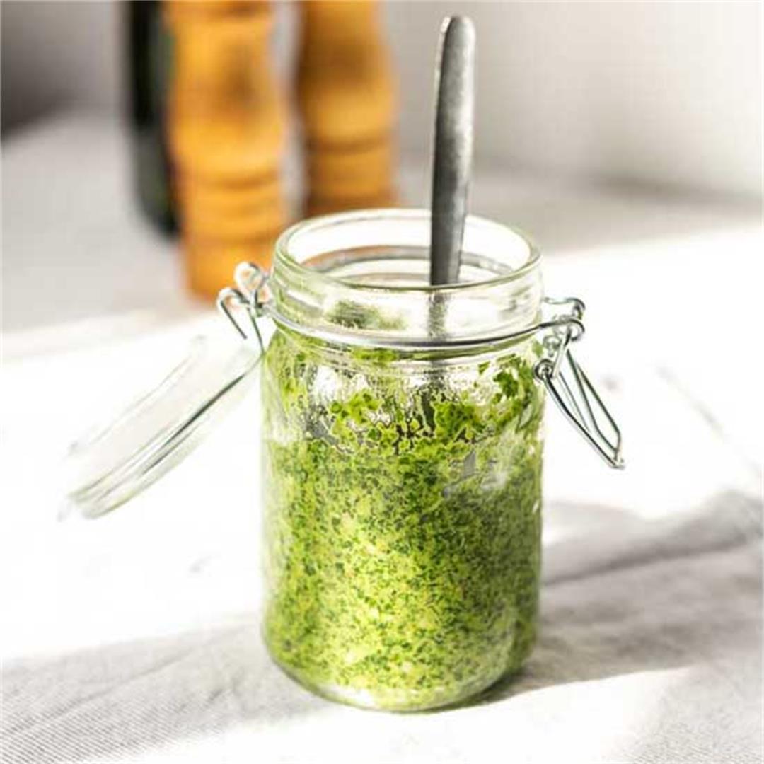 Homemade vegan arugula pesto