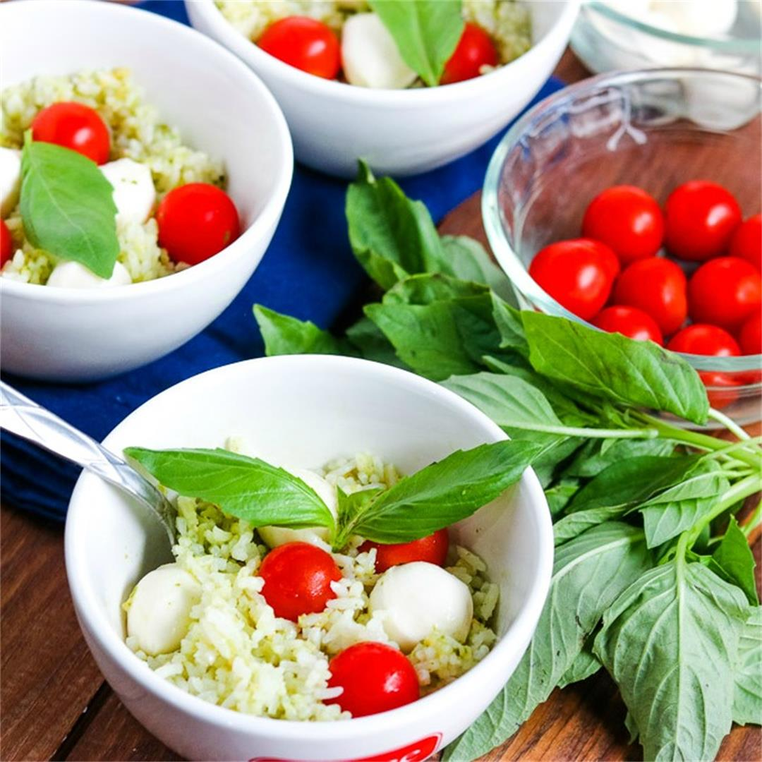 Easy Caprese Rice Bowls (5 ingredients!)