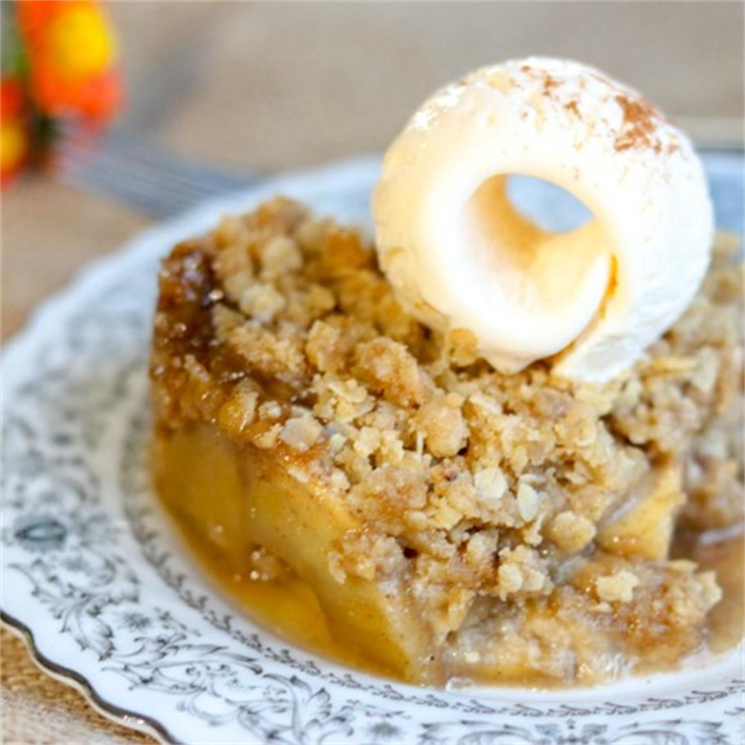 Chai Spiced Apple Crisp