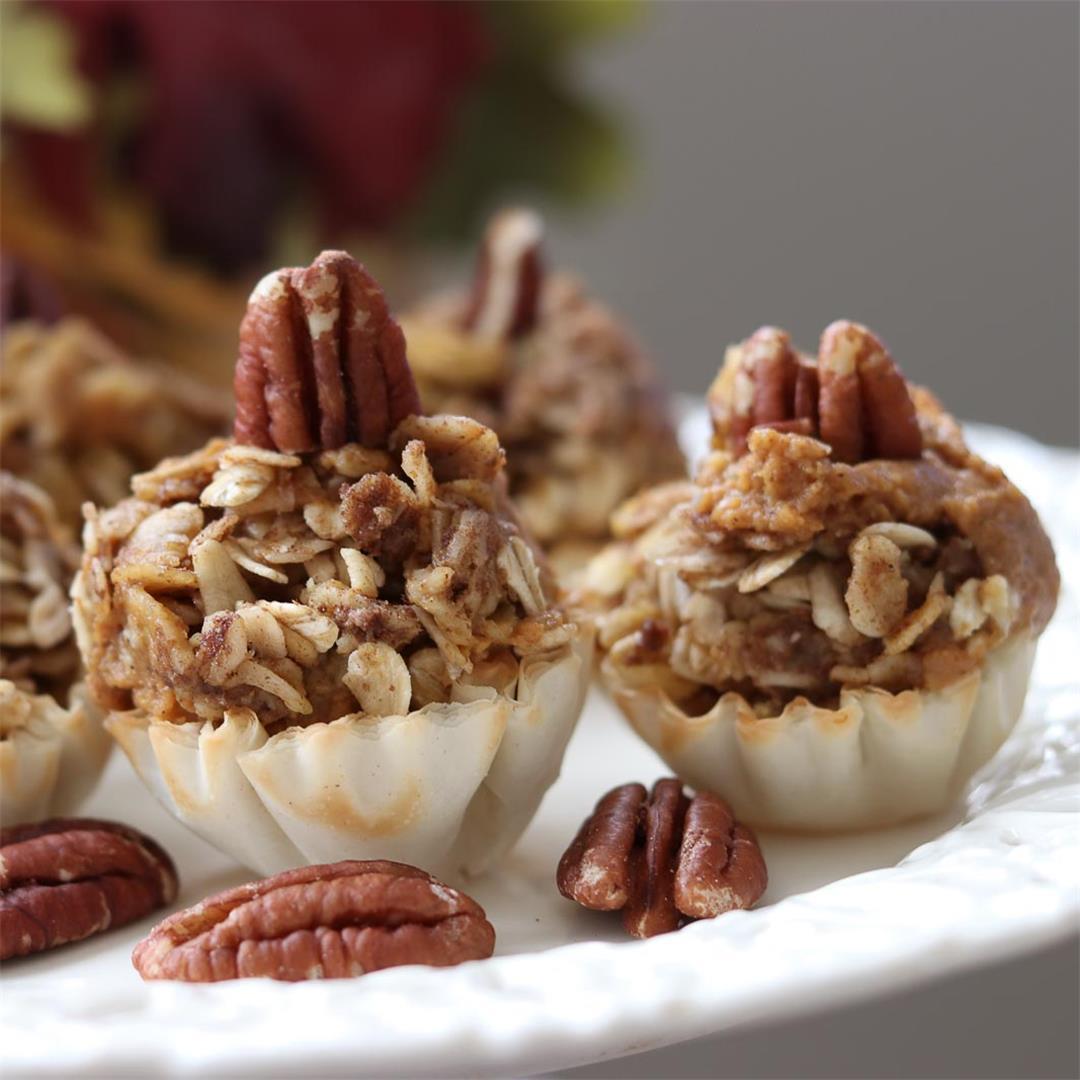 Easy Healthy Mini Pumpkin Pies with Cinnamon Cardamom Streusel