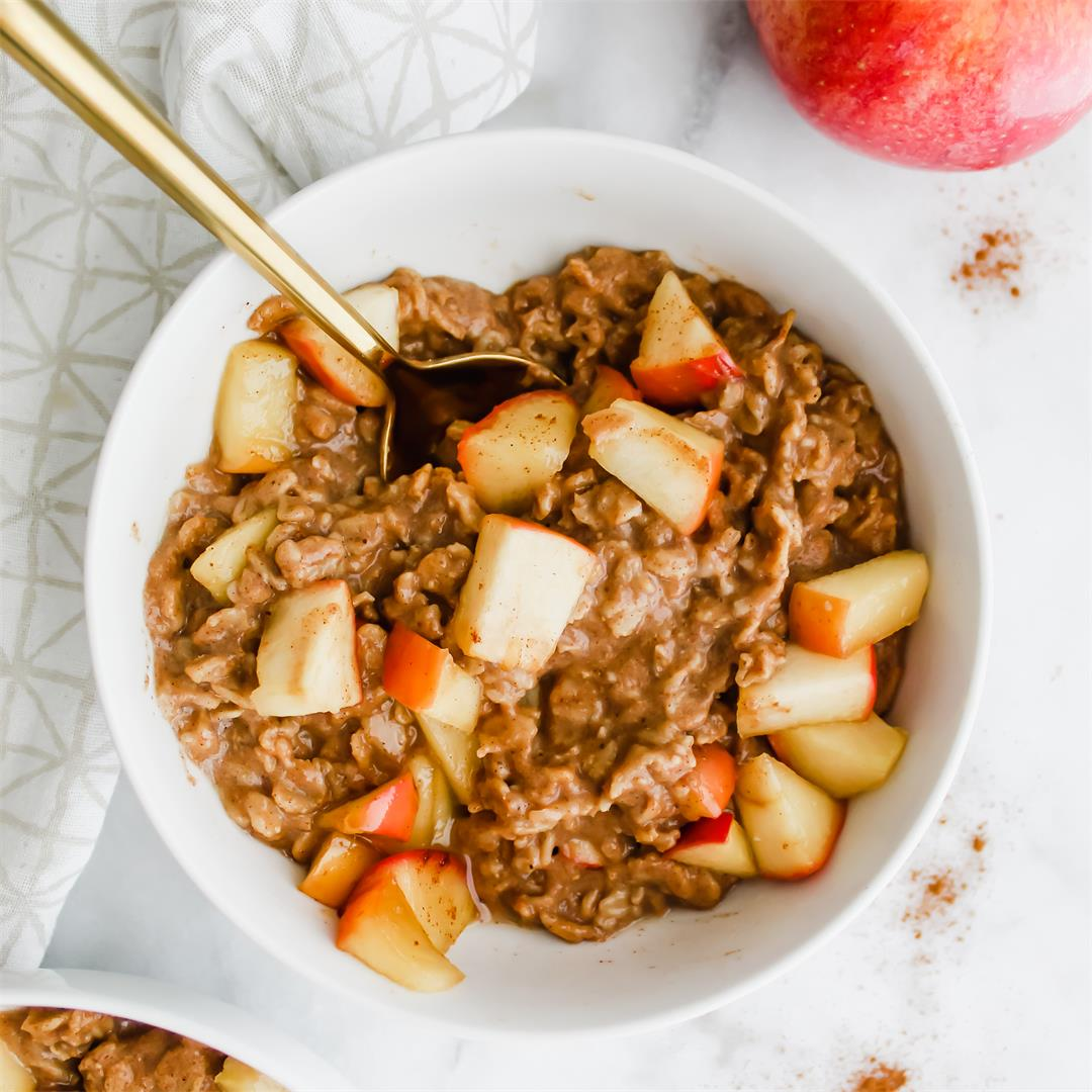 Chai Spiced Apple Oatmeal - nourishing, cozy and healthy!