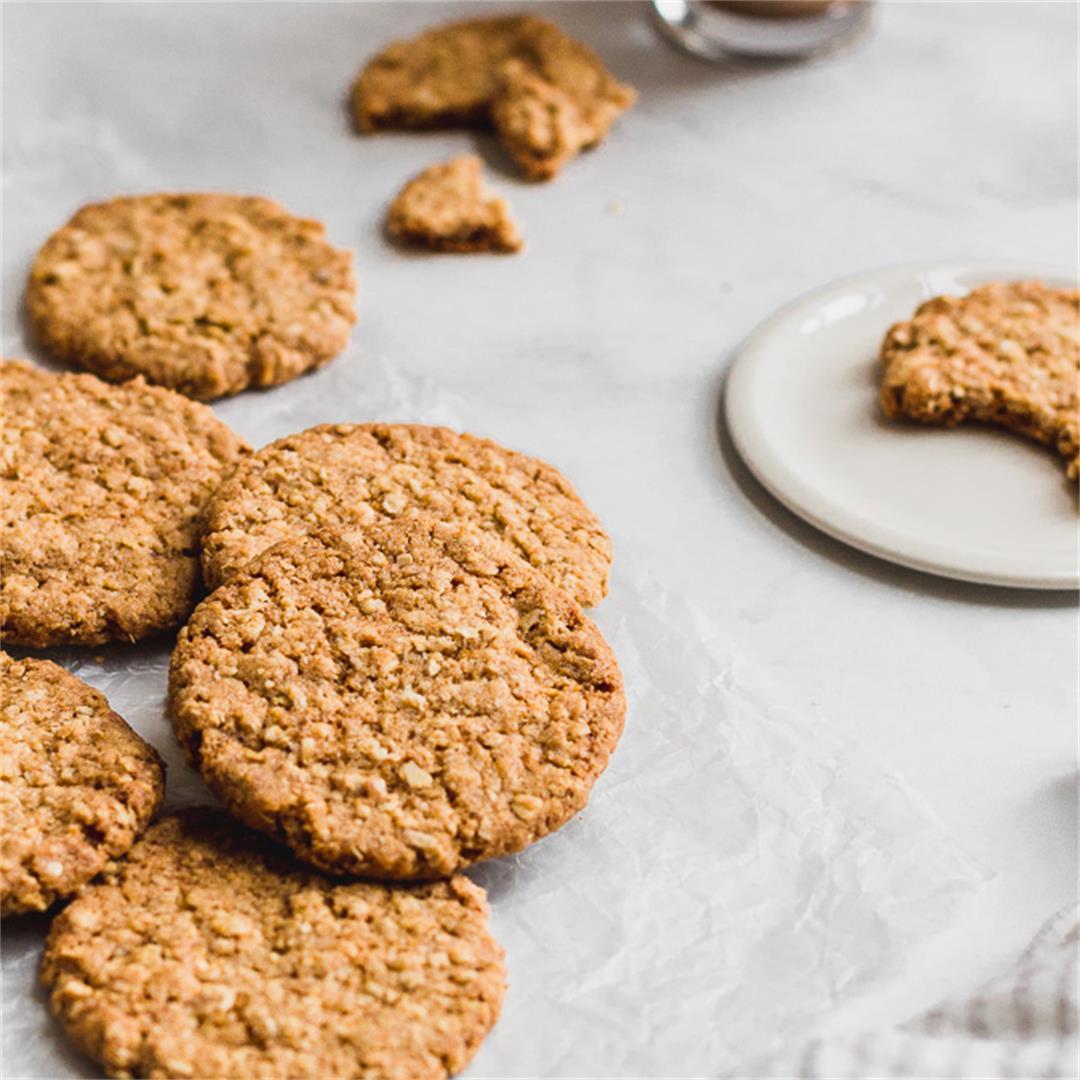 Hobnobs (aka crunchy, oaty cookies)