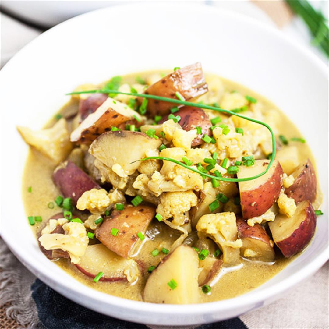 Curried Cauliflower and Potato Soup