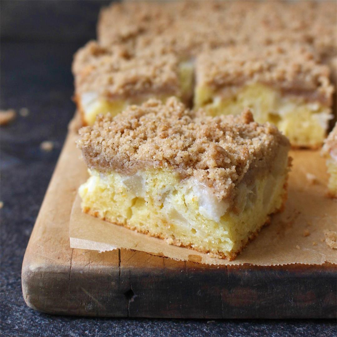 Pear Crumble Coffee Cake