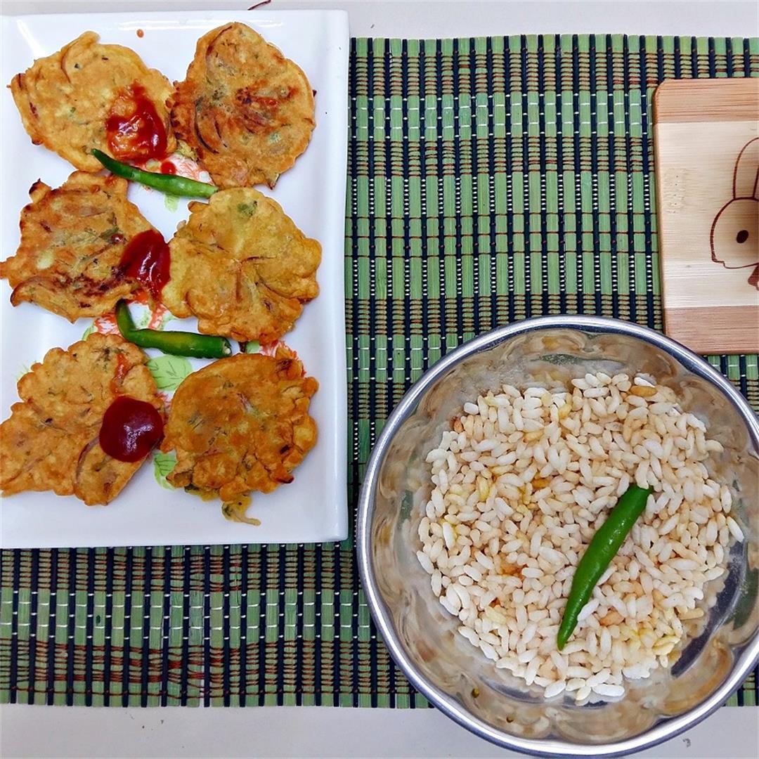 Bengali Peyaji / Peyaj ki Pakoda / Onion fritters