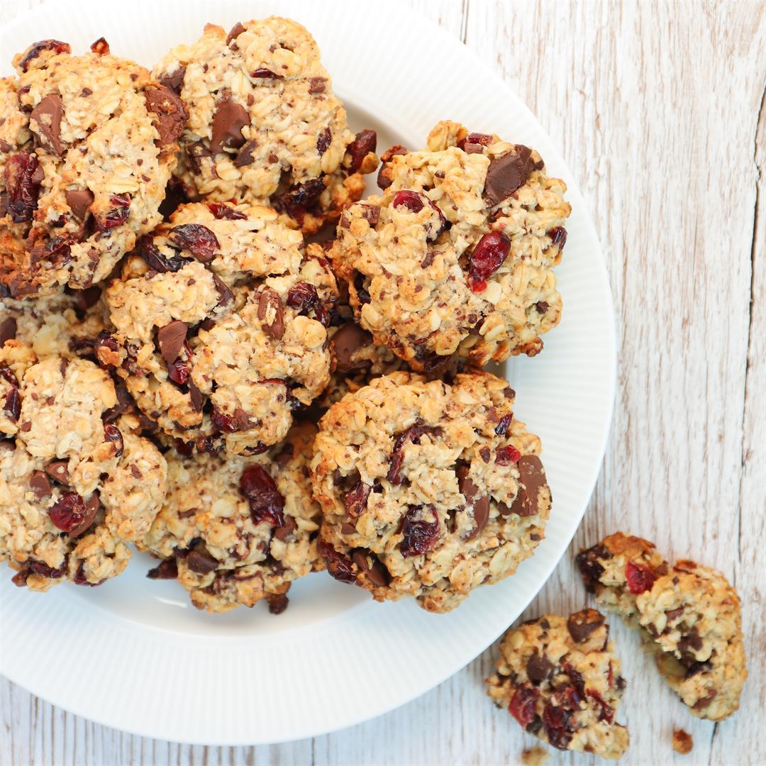 Vegan Dark Chocolate Cranberry Cookies