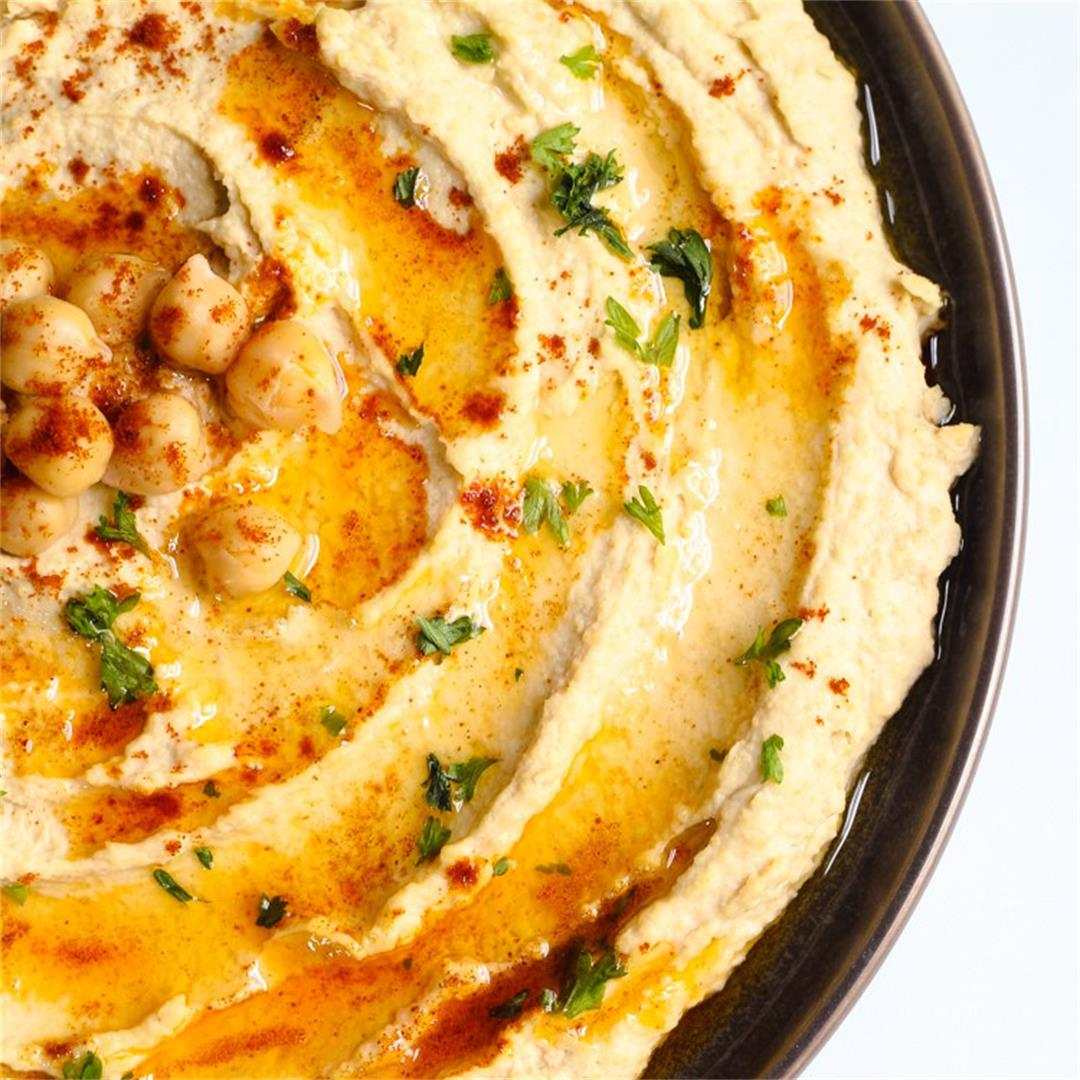 Simple Homemade Hummus
