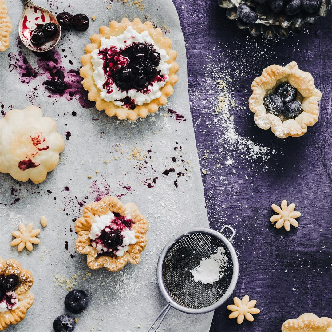 mini blueberry vanilla tarts