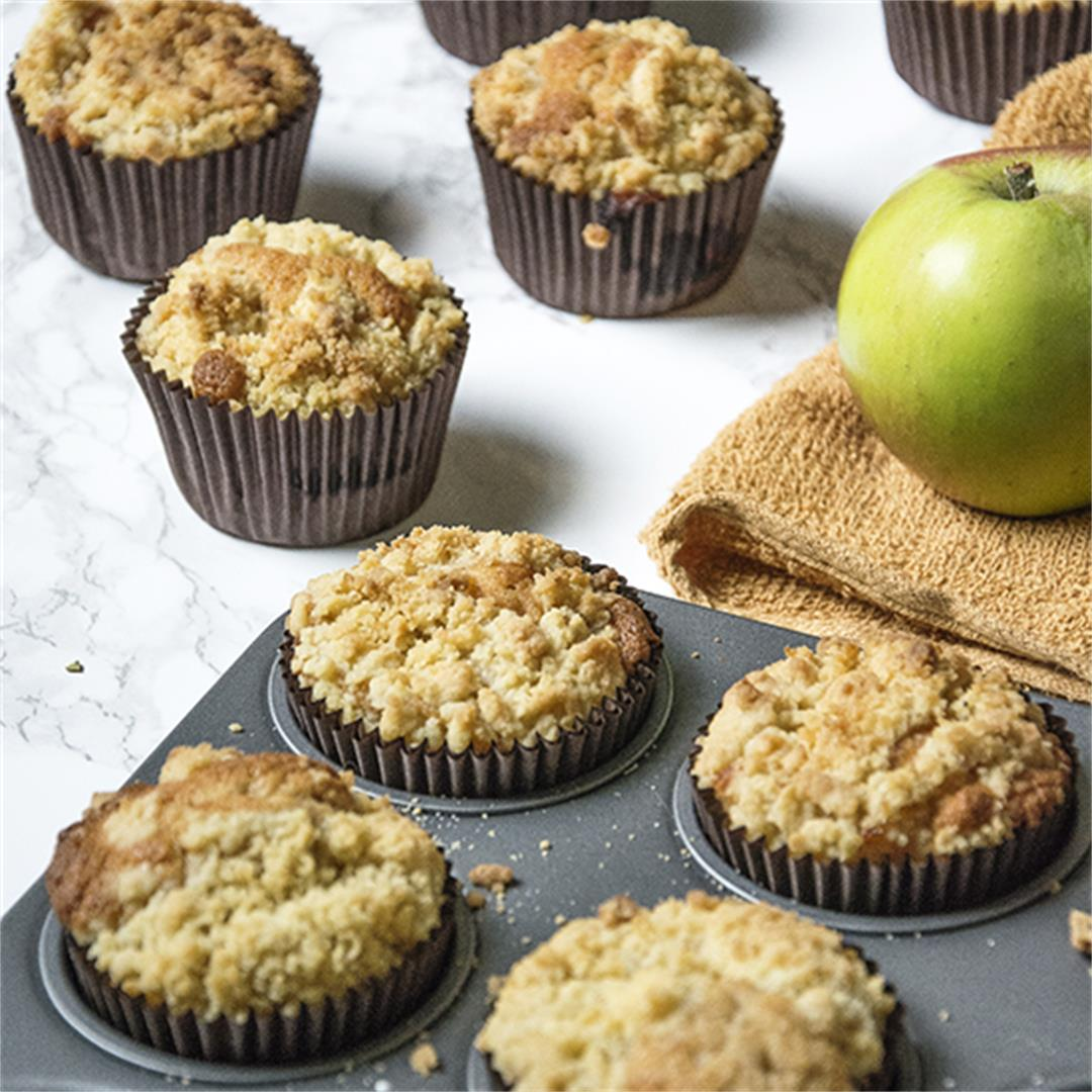 Best of both worlds apple crumble cupcakes