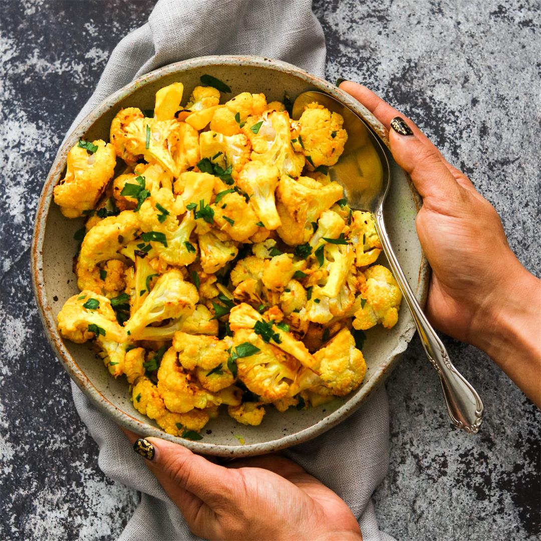 Lemon Turmeric Roasted Cauliflower