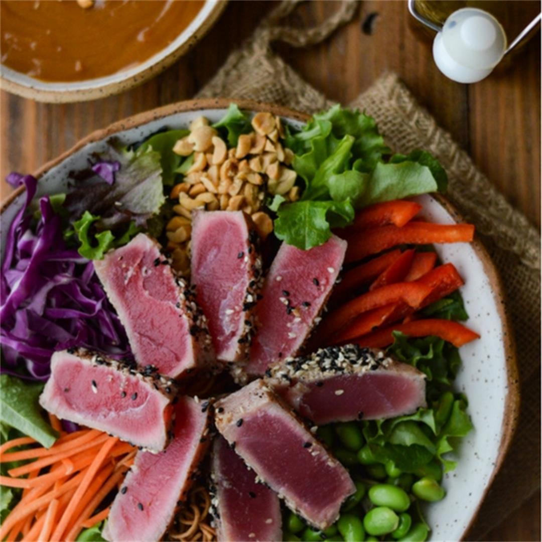 Crunchy Asian Seared Tuna Salad with Peanut Sauce