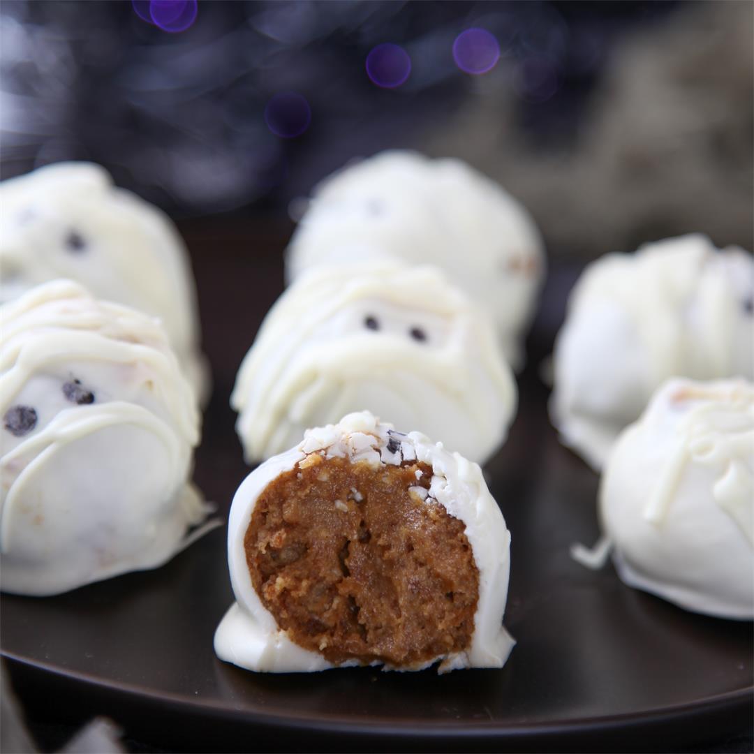 Mummy pumpkin truffles