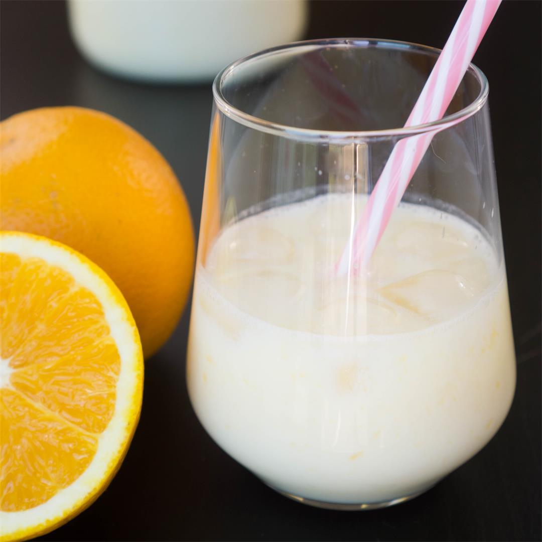 Morir Soñando (Dominican Orange and Milk juice)