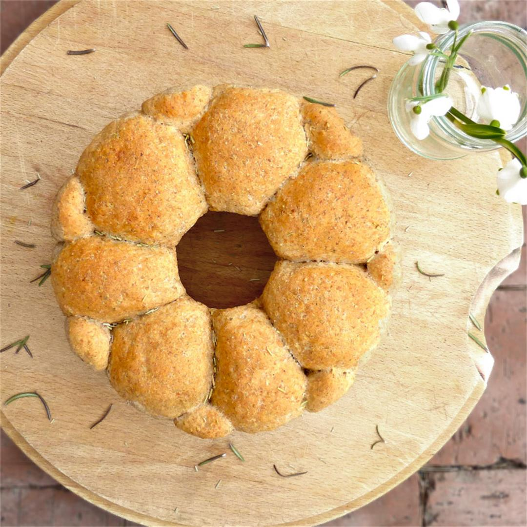 Spelt and Rye Herb Pull Apart Bread