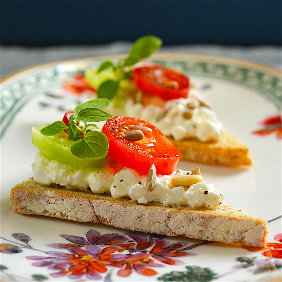 Cottage Cheese Canapés