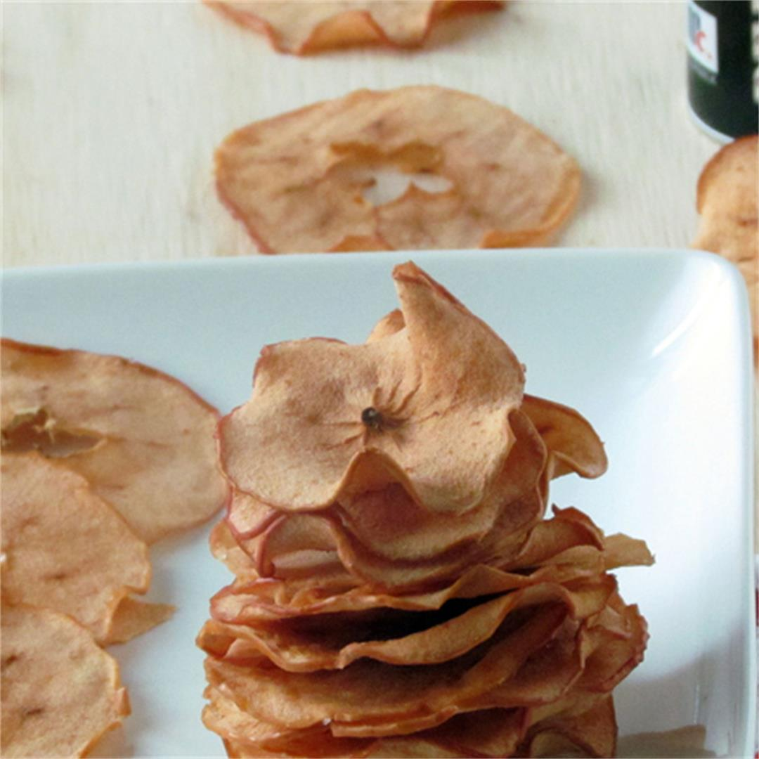 Baked Apple Chips-homemade and healthy