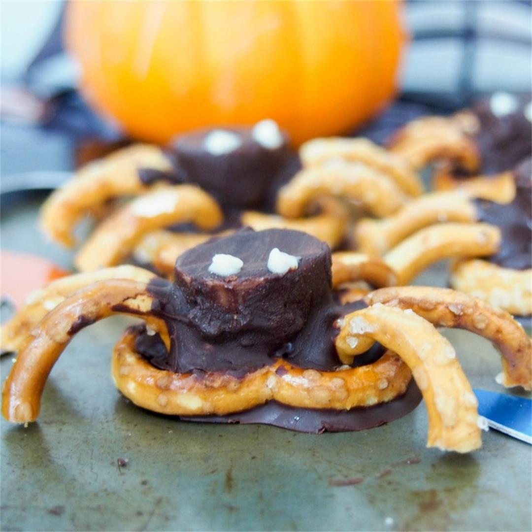 Chocolate pretzel spiders