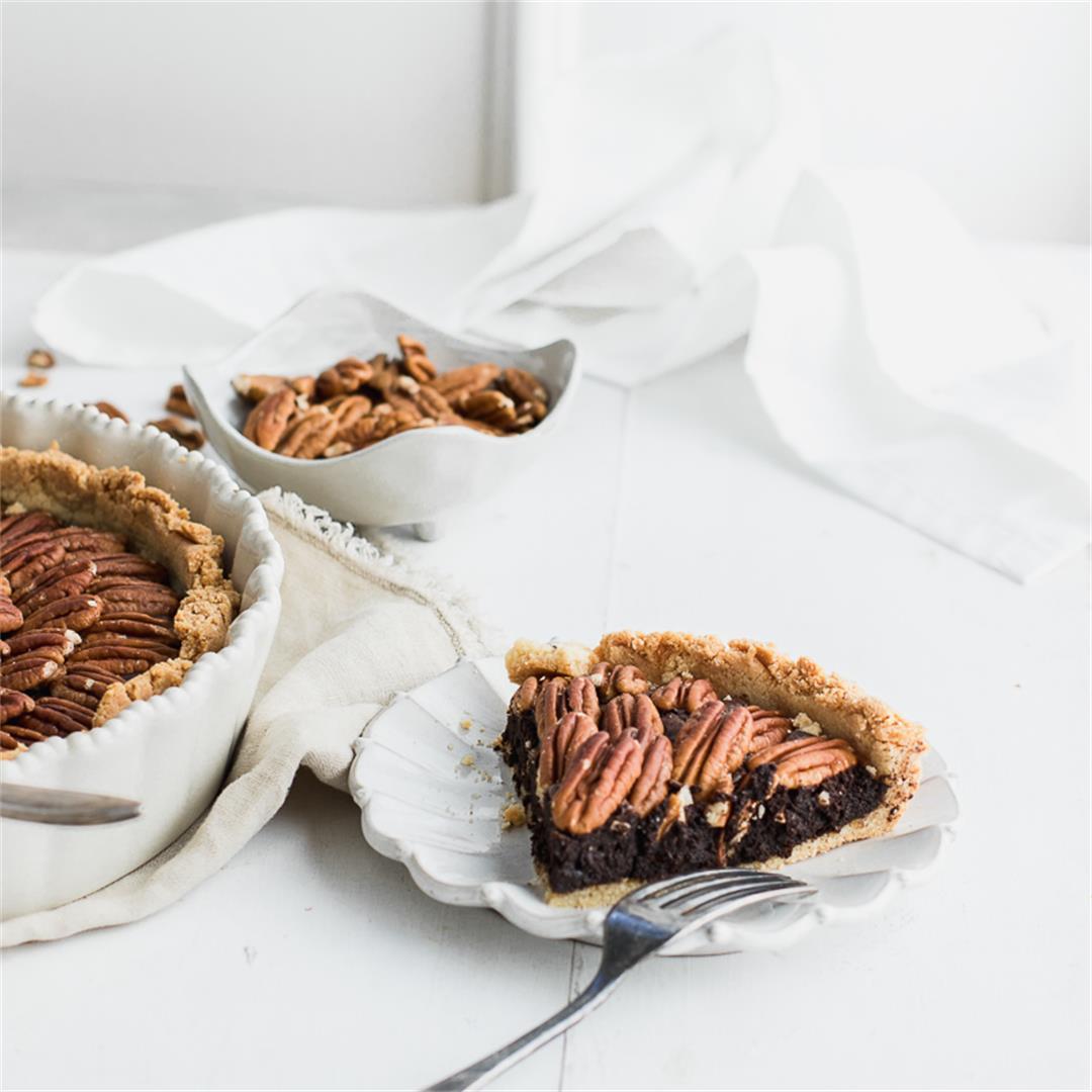Paleo Pecan Brownie Pie
