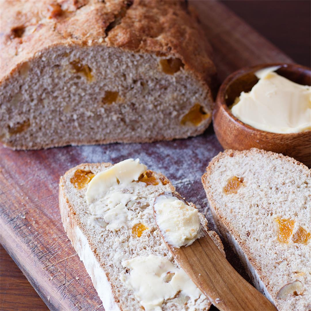 Apricot and walnut Rye Bread
