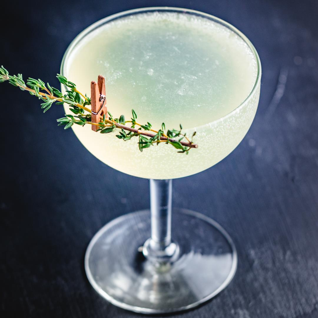 Sparkling Lemon Thyme Cocktail