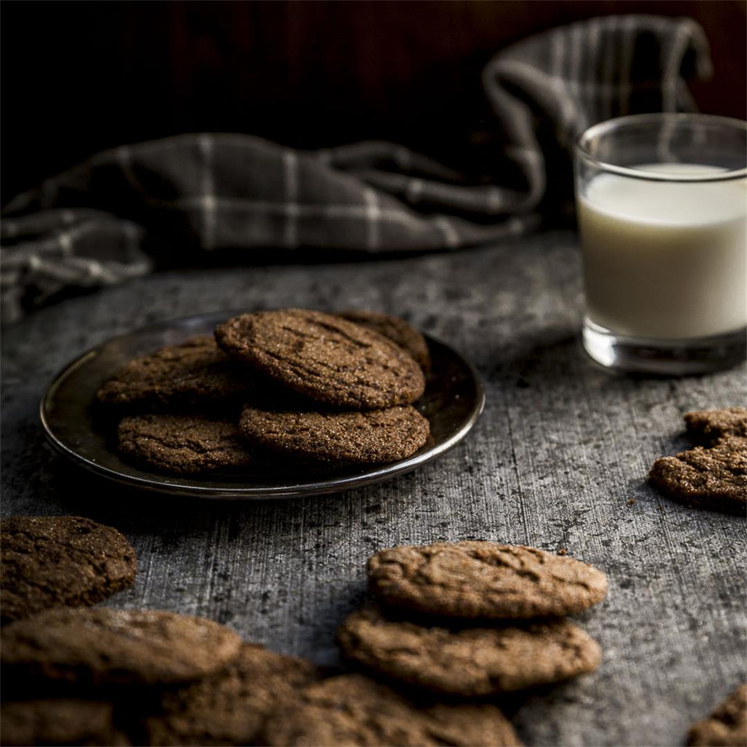 spicy gingersnap cookies