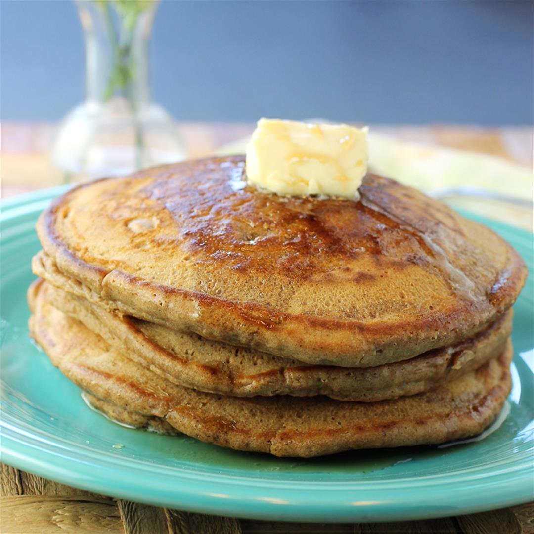 Gingerbread pancakes for a perfect autumn breakfast