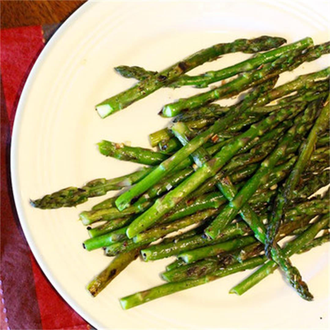Grilled Asparagus with Lemongrass Garlic Rub