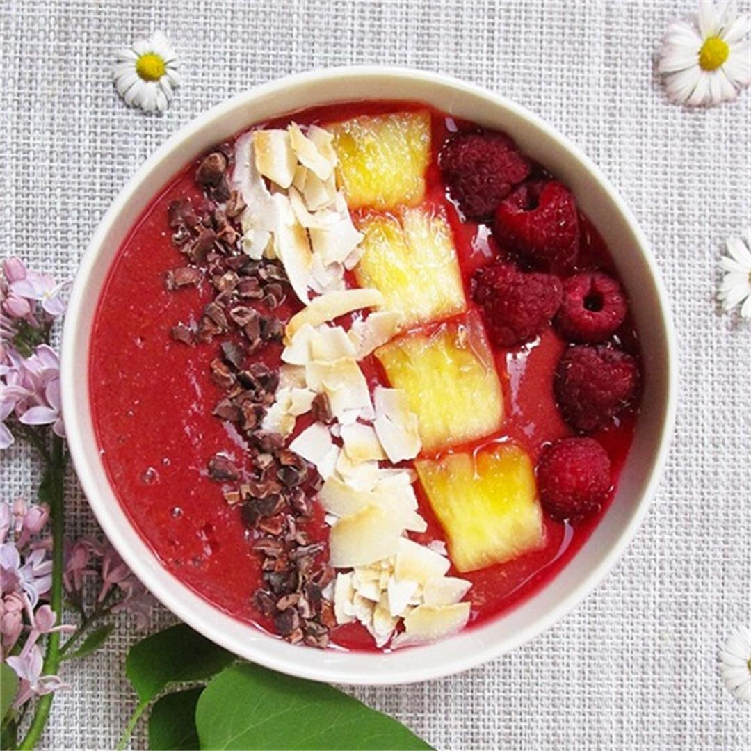 Chocolate Raspberry Pineapple Smoothie Bowl