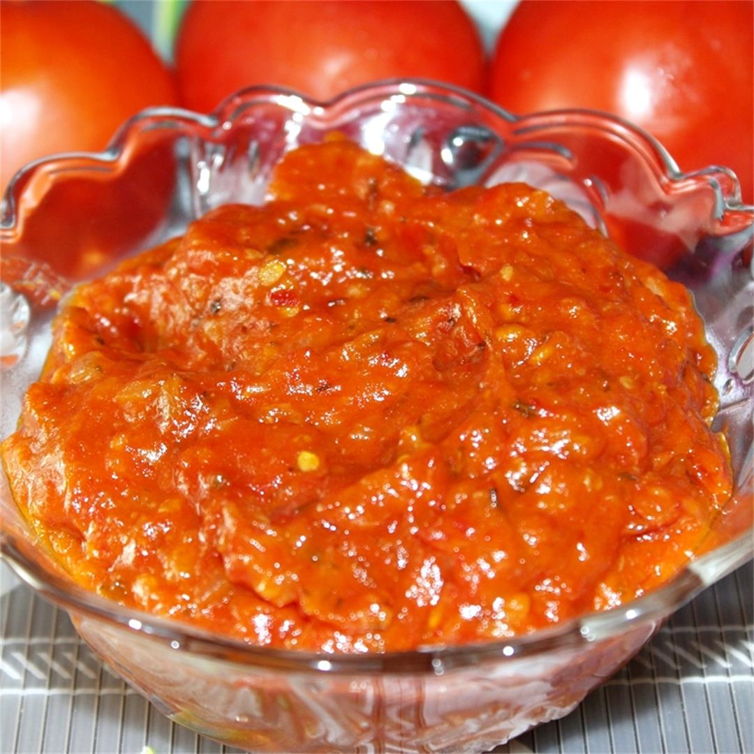 Dripping Pizza Sauce From Fresh Tomatoes
