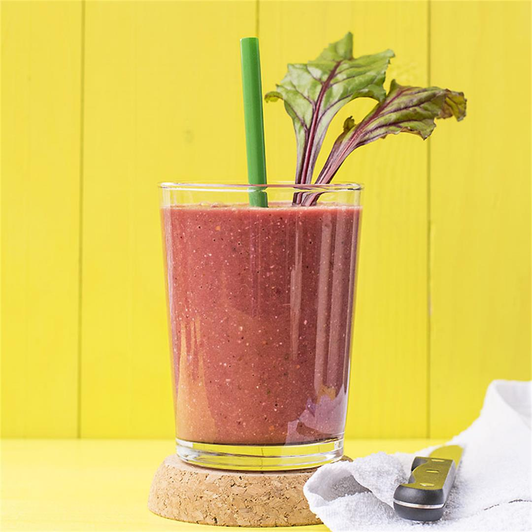 Beet greens and superfoods detox smoothie