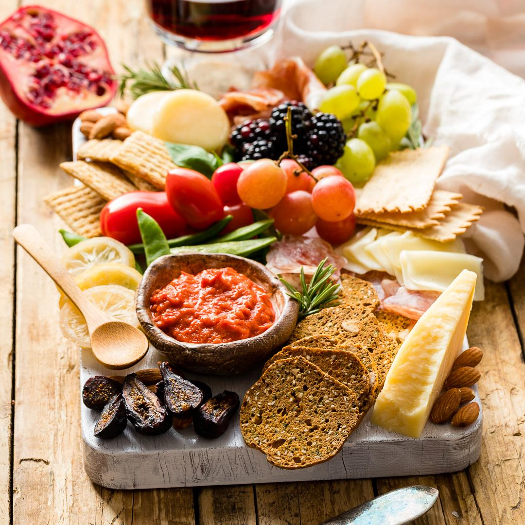 How To Make A Gorgeous Cheeseboard in 10 Minutes