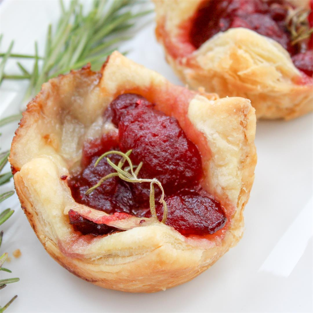 Cranberry Brie and Rosemary Bites