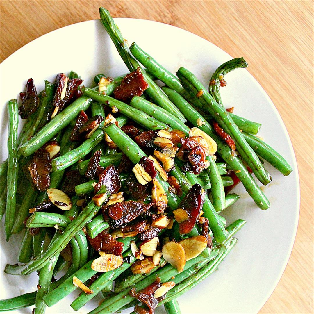 The Best Low Carb Green Beans with Bacon and Almonds