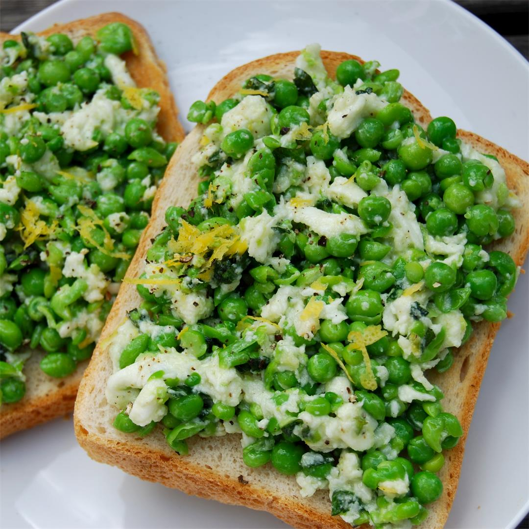 Easy Lunchtime Peas On Toast